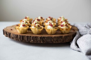 Wonton Cups with Mashed Idaho® Potatoes, Bacon and Chives