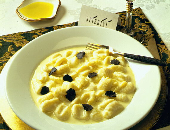 Gnocchi con Fontina e Tartufo Idaho® Potato Dumplings with Pontina Cheese & Truffle