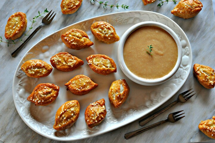 Potato Soft Pretzel Bites with Creamy Caramel Dip