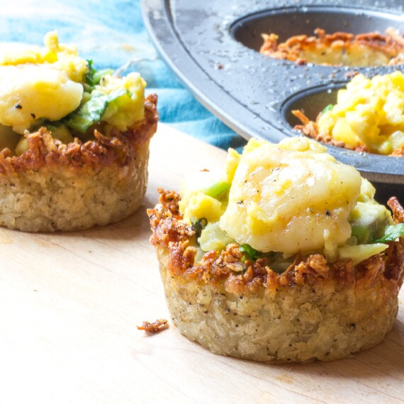 Hashed Browns Poutine Cups with Egg Scramble