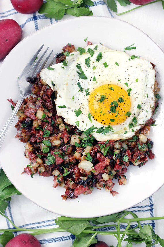 One-Pot Corned Beef Hash with Potatoes