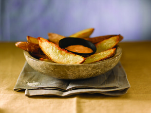 Crispy Idaho® Potato Wedges with Sriracha