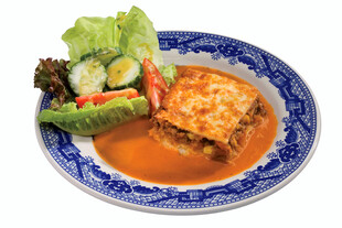 Dehy Idaho® Potato & Meat Pie with Veggie Salad and Tomato Sauce