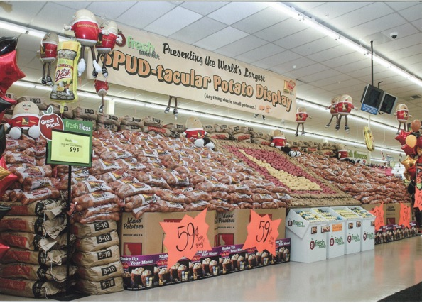 "More than 80,000 pounds of Idaho® potatoes were used in this ""Spud-tacular"" display."