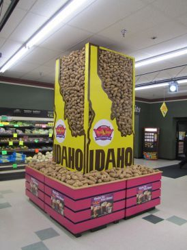 Dean Eide's Idaho® potato display at Lammers Food Fest in Menomonie, WI won first place among stores with 6-9 cash registers.