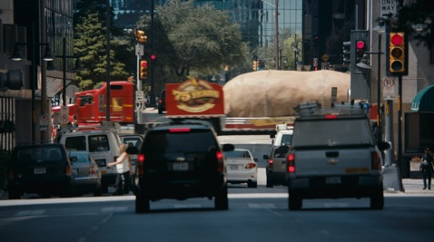 The Great Big Idaho® Potato Truck takes on the big city in the Idaho Potato Commission's new television commercial.